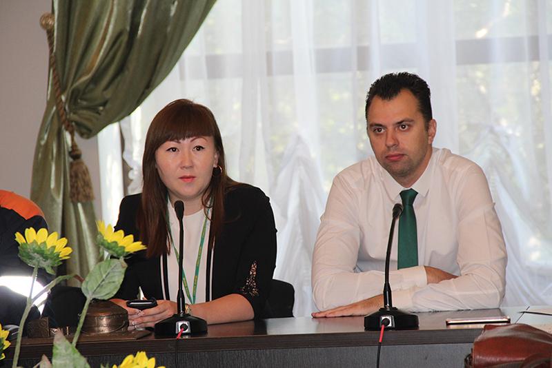 Представители Народного банка ответили на вопросы профактива
