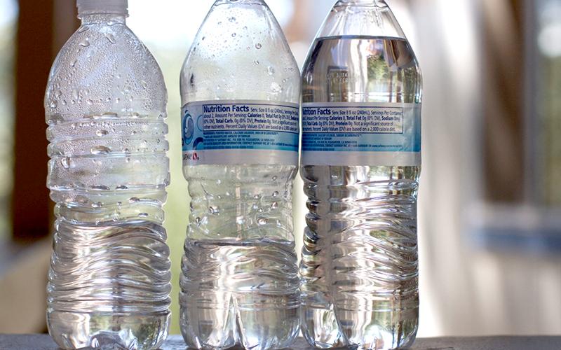 Должны ли в зимнее время выдавать  бутилированную воду?